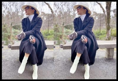 3 Potret Gaya Manja Syahrini Berbalut Coat saat di Jepang