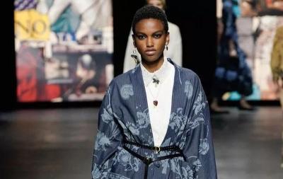 Christian Dior Bakal Bantu Promosikan Kain Endek Bali