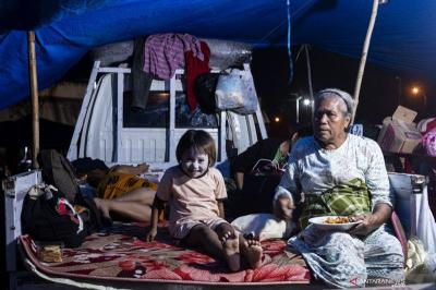 Doni Monardo: Pastikan Pengungsi Gempa Sulbar Tidak Terpapar COVID-19