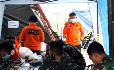 Cuaca Buruk, Basarnas Tetap Menyeleman Cari Korban Sriwijaya Air