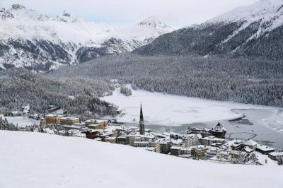 Resor Mewah di Swiss Diserang Varian Baru Virus Corona