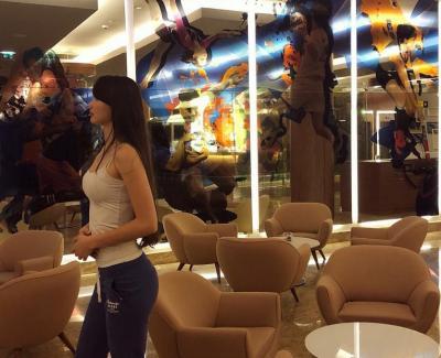 5 Foto si Seksi Sabina Altynbekova saat Olahraga, Mana yang Menggoda?