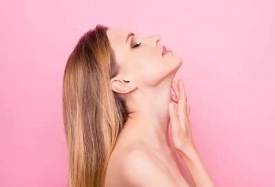 5 Cara Kencangkan Kulit di Leher agar Tak Kendur dan Berkerut
