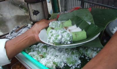 Mengenal Kue Putu, Jajanan Khas Nusantara yang Lezat dan Nikmat