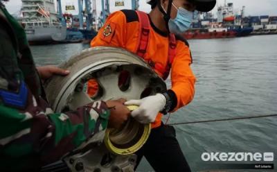 Basarnas: Operasi SAR Sriwijaya SJ-182 Tetap Jalan Meskipun Cuaca Tak Bersahabat