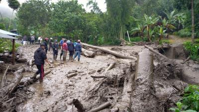 Banjir Bandang Landa Kawasan Gunung Mas Bogor