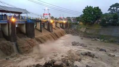 Pascabanjir Bandang, Ketinggian Air Bendung Katulampa 30 Cm