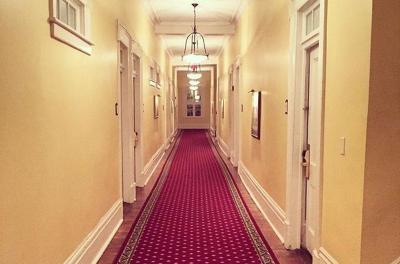 Merinding, 5 Hotel Berhantu Ini Punya Kisah Nyata