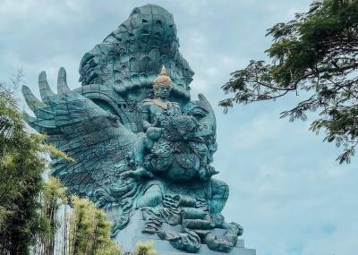 Kristen Gray Viral, Yuk Intip 5 Destinasi Ikonik di Bali Favorit Wisatawan