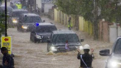 Mengulik Toyota Land Cruiser Jokowi yang Mampu Terobos Banjir di Kalsel