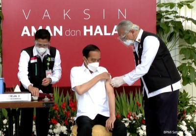 Cek Fakta: Cara Dokter Suntik Presiden Jokowi Salah?