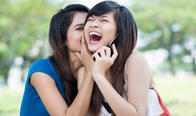 Kenali Tanda-Tanda Istri Anda Sudah Jadi Tukang Gosip