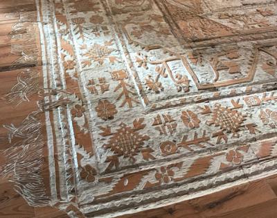 Seniman Ini Ukir Lantai Kayu Jadi Karpet, Hasilnya Sangat Indah