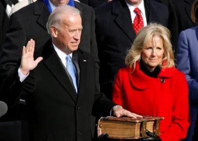Joe Biden Diprediksi Pakai Setelan Jas Ralph Lauren saat Pelantikan