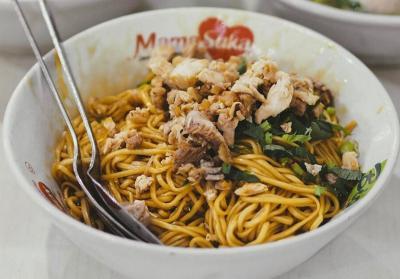 Tempat Kuliner Legendaris Bandung yang Masih Eksis hingga Kini