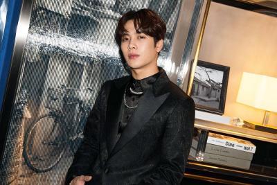 Jackson 'GOT7' Negosiasi Kontrak dengan Agensi Rain
