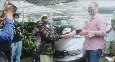 Wow! Warga Depok Rela Tukar Mobil dengan Janda Bolong