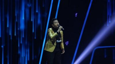 Nando Raih 3 Standing Ovation di Grand Final The Next Didi Kempot GTV