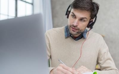 5 Tips Tetap Profesional saat Meeting Online