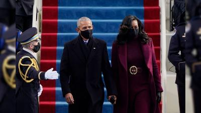 Overcoat Ungu Michelle Obama di Pelantikan Presiden AS Panen Pujian