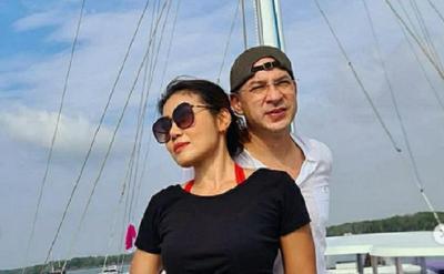 Intip Kemesraan Ari Wibowo dan Istri, Nomor 1 Kayak di Kapal Titanic
