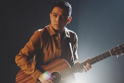 Ade Govinda Jadi Juri Cover Song Contest 'Tanpa Batas Waktu' di RCTI+