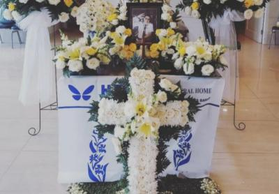 Mawar Putih Hiasi Peti Mati Kopilot Sriwijaya Air 182 Diego Mamahit