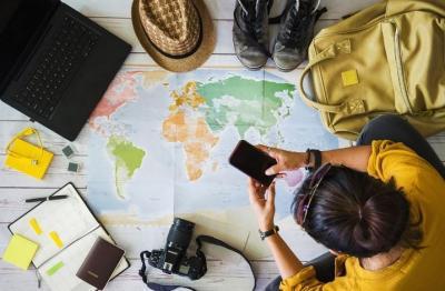 Mau Traveling Sambil Dapat Uang? Bisa Kok, Nih Caranya!