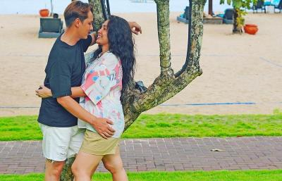 Peringati 9 Tahun Pernikahan dengan Andhika, Ussy Sulistiawaty Tulis Pesan Menyentuh