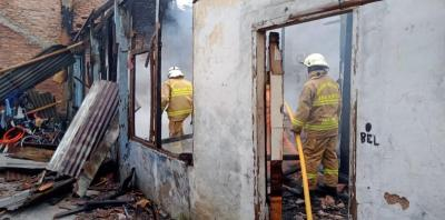 Kebakaran Landa Permukiman Warga di Kalibata