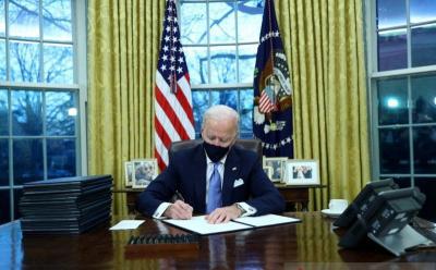 Joe Biden Wajibkan Wisatawan Asing Karantina saat Tiba di Amerika