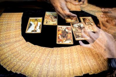 Pesan Malaikat Hari Ini, Gunakan Uangmu dengan Bijak