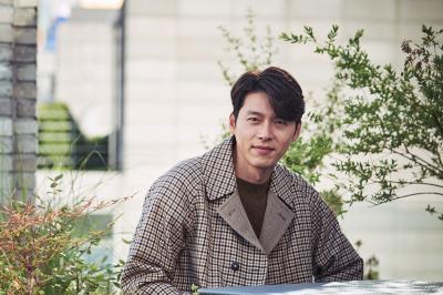 Hyun Bin Raih Daesang di Ajang APAN Star Awards 2020