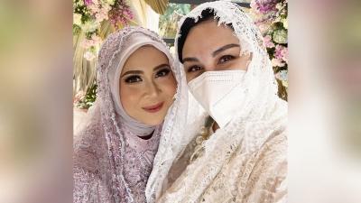 Pesan Menyentuh Mona Ratuliu untuk Kesha Ratuliu yang Segera Menikah