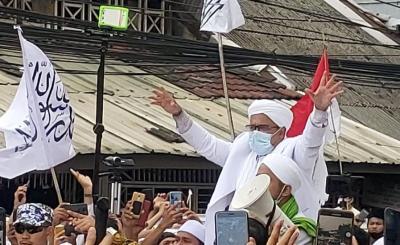 Habib Rizieq Dikabarkan Masih Sakit, Kuasa Hukum: Mohon Doanya