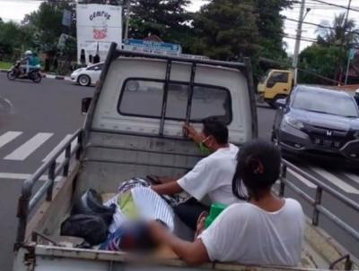 Viral Jenazah Diangkut Mobil Pickup karena Keluarga Tak Punya Uang Sewa Ambulans