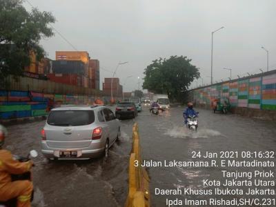 Jakarta Hujan, Jalanan Samping Terminal Bus Priok Terendam