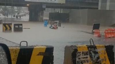Banjir di Jalan Kalibaru Cilincing, Sejumlah Motor Mogok