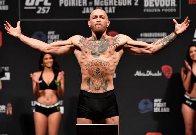 Ketimbang Pikirkan Tinju, sang Pelatih Lebih Senang McGregor Fokus di UFC 257