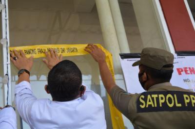 Tak Berizin dan Timbulkan Kerumunan, Penginapan di Pademangan Jakut Disegel Satpol PP