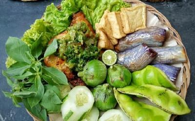Resep Ayam Penyet Sambel Ijo, Lezatnya Bikin Lidah Bergoyang