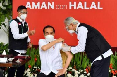 Usai Divaksin Covid-19 Besok, Jokowi Bakal Lantik Komjen Listyo Sigit Jadi Kapolri