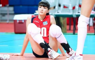 Garang, Intip Aksi Sabina Altynbekova Latihan Tembak