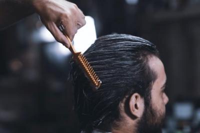 Buat Para Pria, Ini 5 Cara Bikin Rambut Lebih Tebal