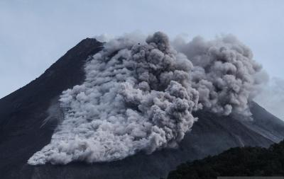 Gunung Merapi Meletus, Penerbangan di Bandara Adi Soemarmo Tak Terganggu