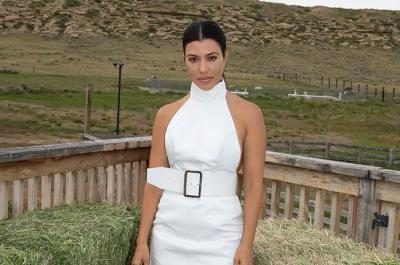 Mesranya Kourtney Kardashian dengan Pacar Baru, Travis Barker