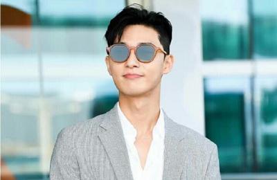 5 Gaya Airport Fashion Park Seo Joon, Trendi Banget!
