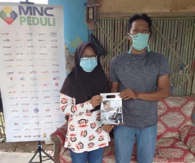 Siswi SD Dapat Bantuan Kacamata Minus 13 dari MNC Peduli
