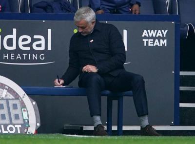 Mourinho Tak Kaget Kini Liverpool Terpuruk di Klasemen Liga Inggris
