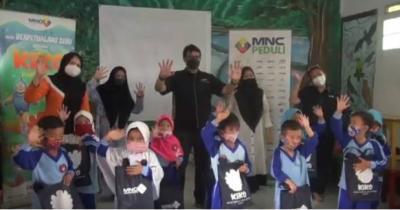 MNC Peduli Lakukan Trauma Healing, Ajak Anak Menonton dan Mewarnai di Sukabumi